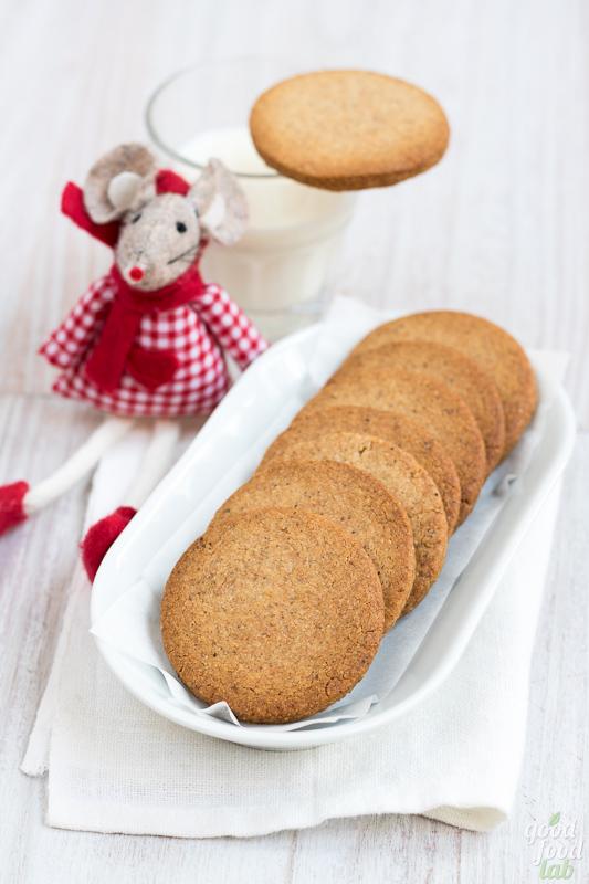 21 dicembre: sablées grano saraceno, mandorle e cannella