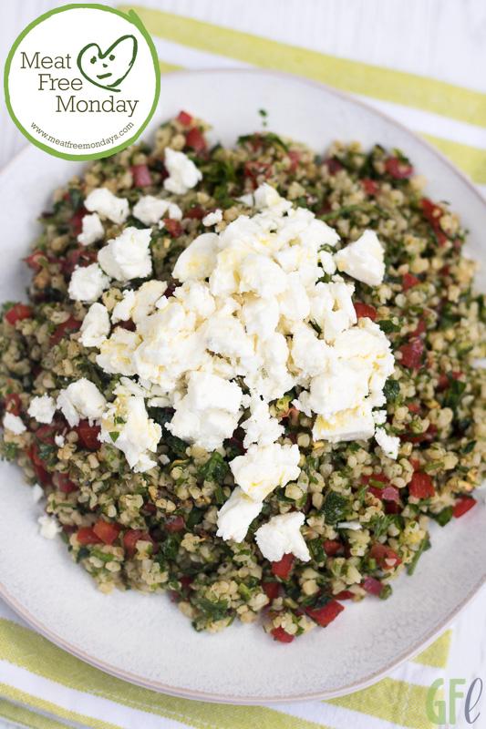 Straordinario tabbouleh con verdure grigliate e feta