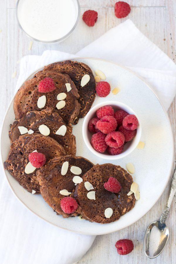 Pancakes al cacao crudo