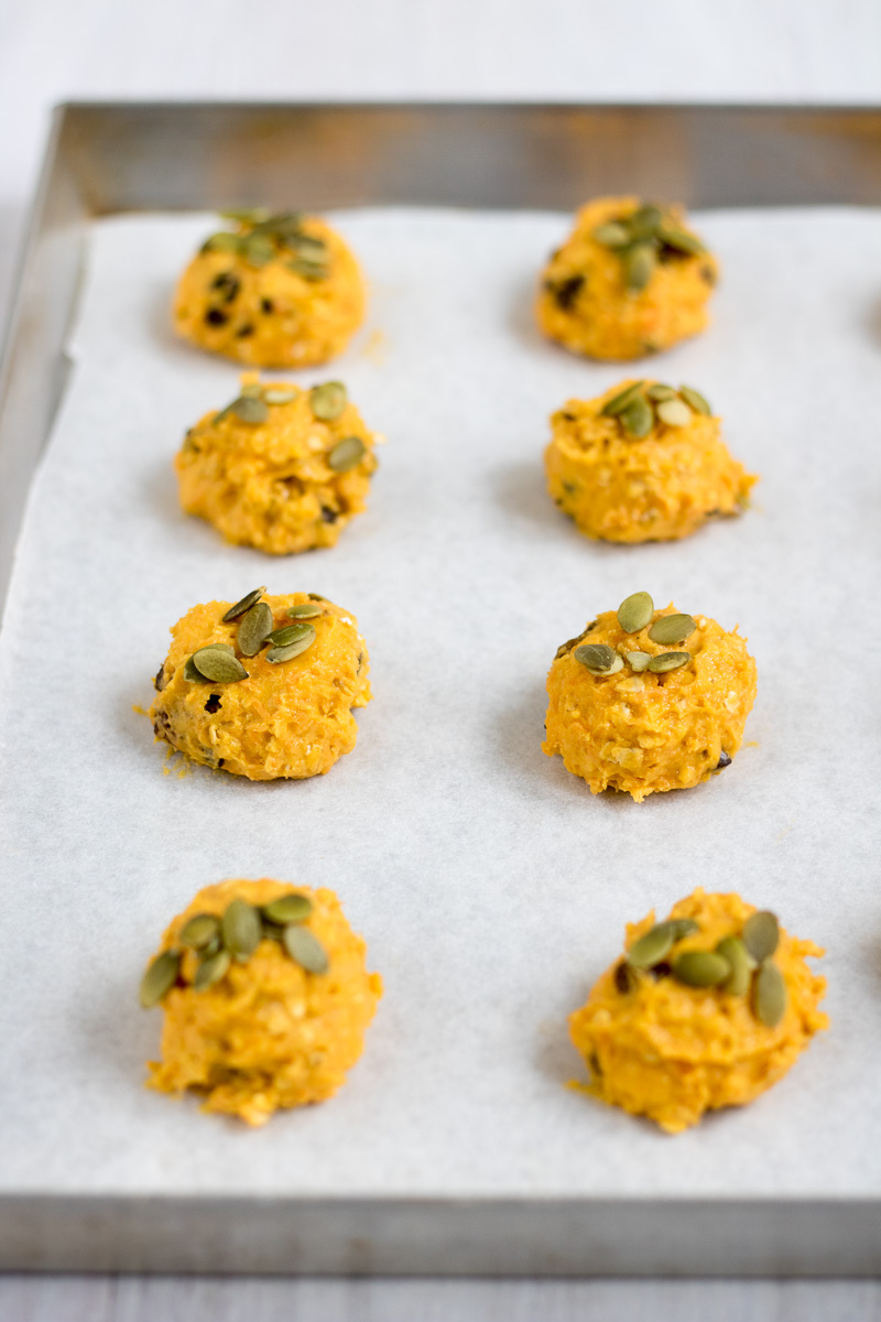 carrot cookies con uvetta