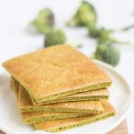 Flatbread di broccoli con curcuma