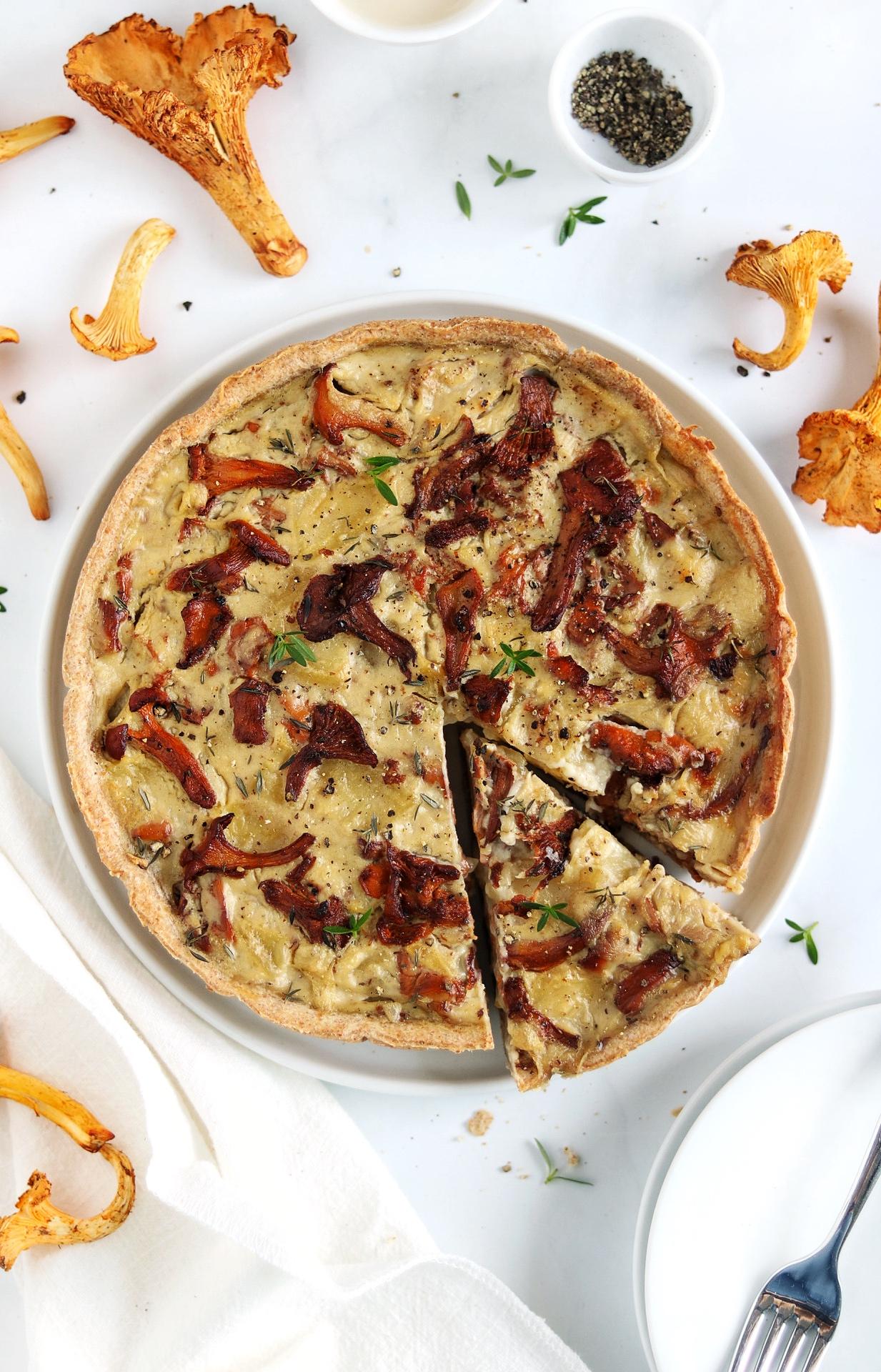 crostata integrale con finferli e patate