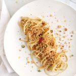 spaghetti con crema di aglio