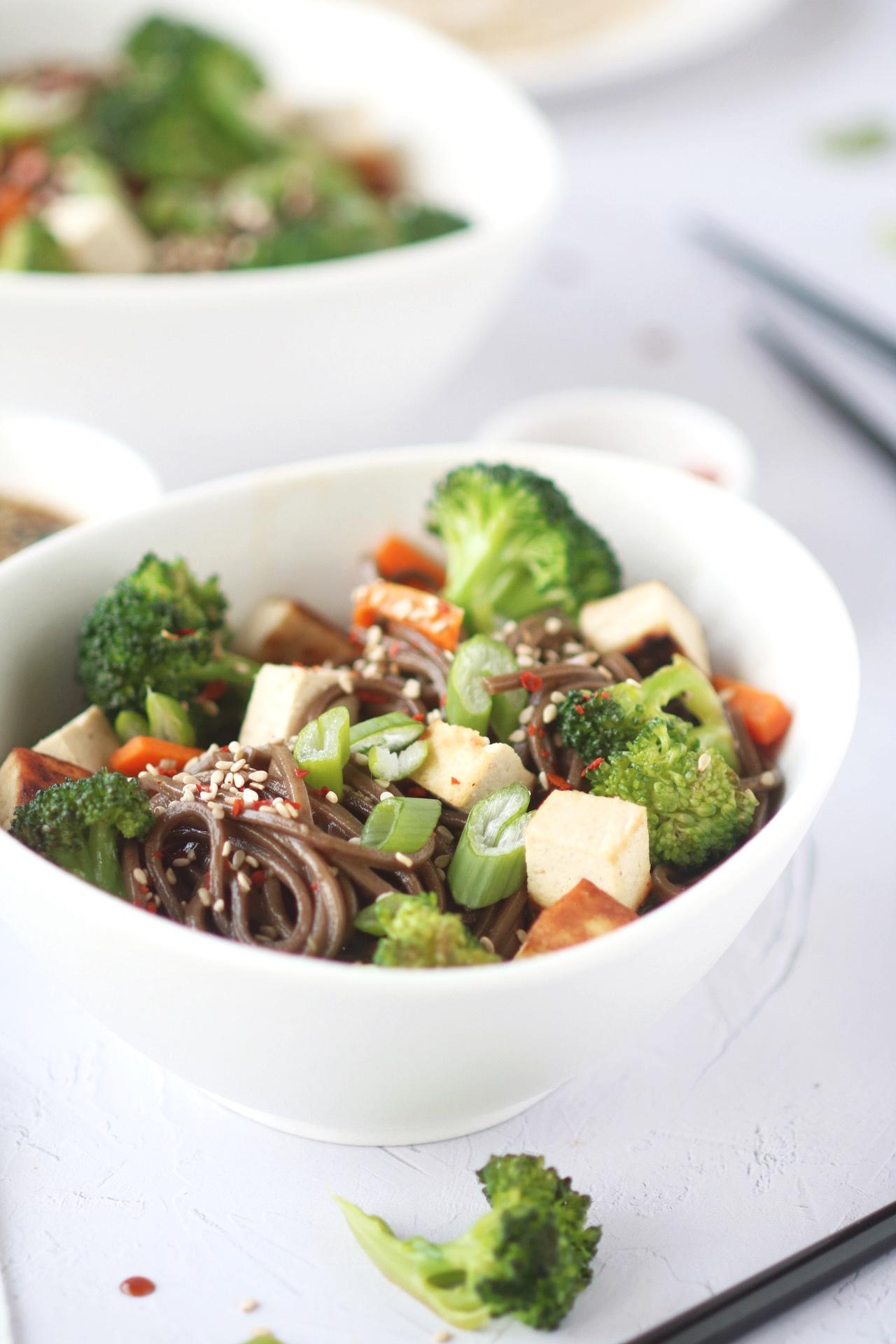 soba noodles con verdure